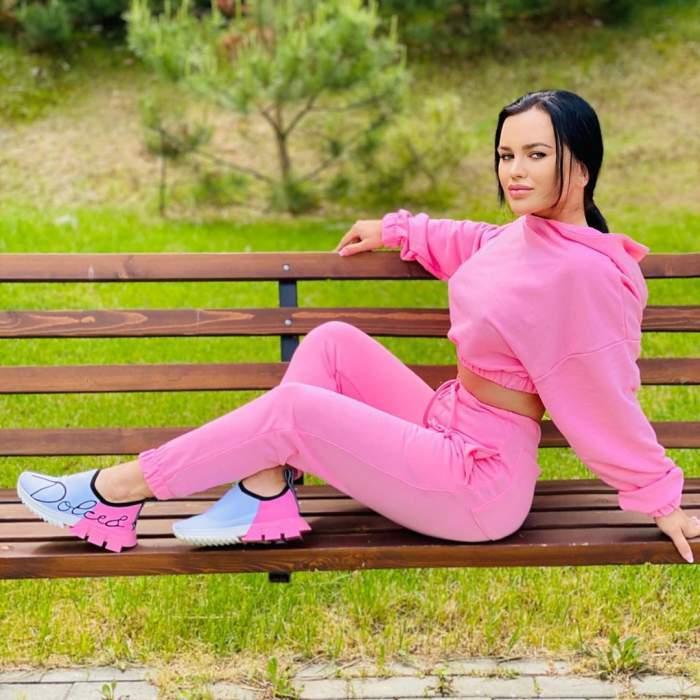 Carmen de la Sălciua, în război pe internet! Cântăreața, asupru criticată pentru aspectul fizic!