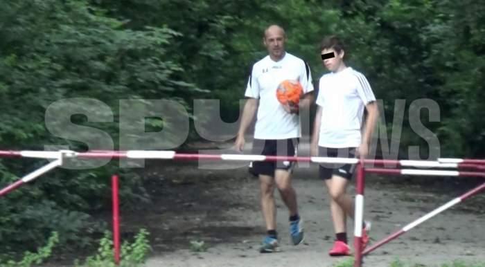"""La ei sportul este """"moștenire"""" de familie! Cum a fost surprins Bogdan Andone alături de soție și copii / PAPARAZZI"""