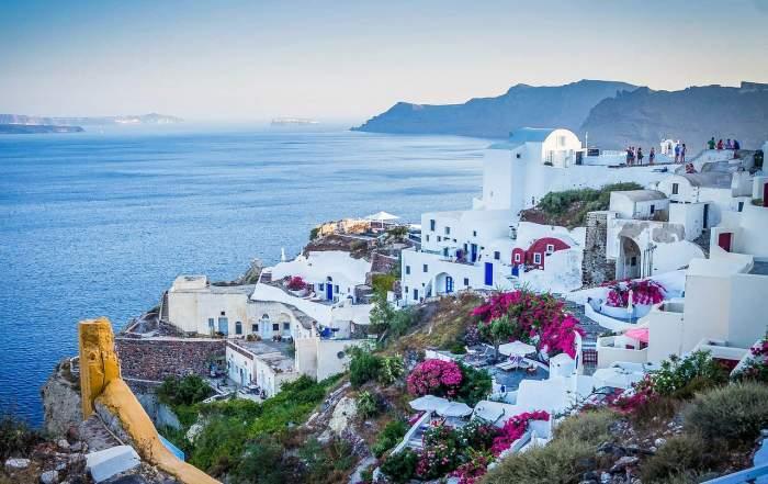 Ce formular trebuie să completezi dacă mergi în concediu, în Grecia? Noi reguli vor fi impuse pentru români de la 1 iulie