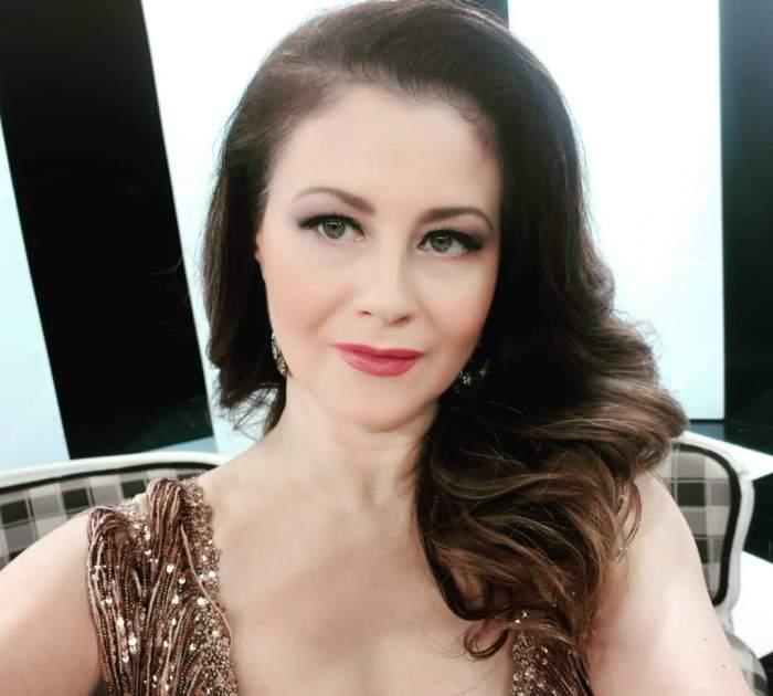 """Corina Dănilă și-a găsit mașina cu parbrizul spart. Actrița, în stare de șoc: """"Mulțumesc"""""""