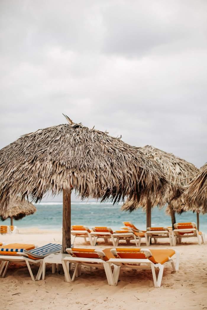 Restricțiile de pe plajele României, ridicate! Anunțul Guvernului pentru vacanța de vară