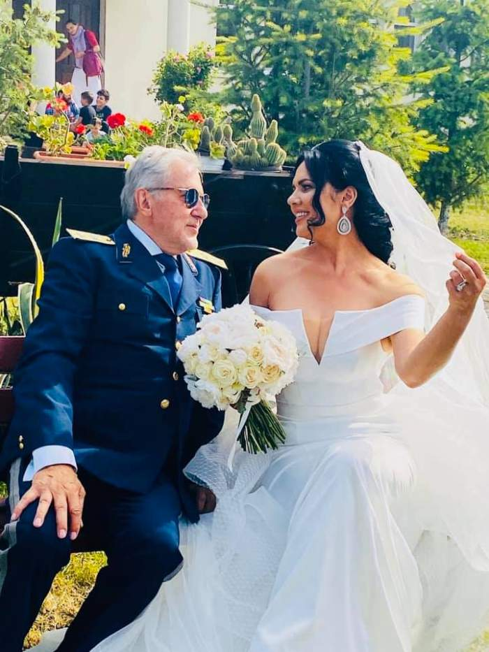 """GALERIE FOTO / Primele imagini de la nunta Ioanei și a lui Ilie Nătase! Porumbeii și-au unit destinele în secret, la mare: """"Momente unice"""""""