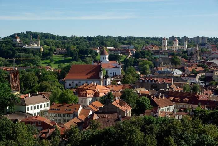 Lituania, altă țară care le interzise românilor accesul pe teritoriul său. Data de la care hotărârea intră în vigoare
