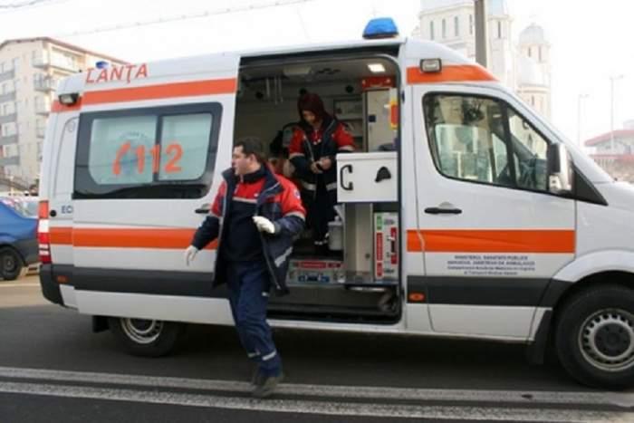 Scene șocante la Vaslui! Bătaie între șoferul ambulanței și asistent