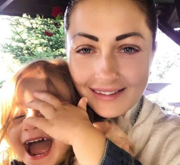 """Gabriela Cristea, îngrijorată pentru fiica ei! Ce a pățit micuța: """"Până la 4 am stat cu ea în brațe"""""""