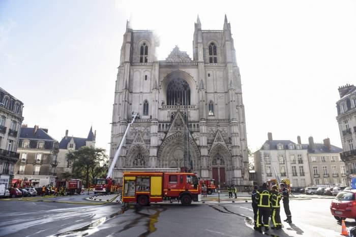 Incendiul de la catedrala din Nantes ar fi fost pus intenționat