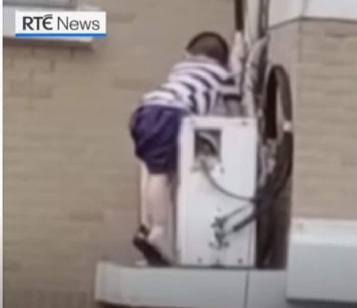 Imagini șocante cu un copil de 2 ani care cade de la etajul 5! Micuțul a escaladat geamul când nu era nimeni acasă / VIDEO
