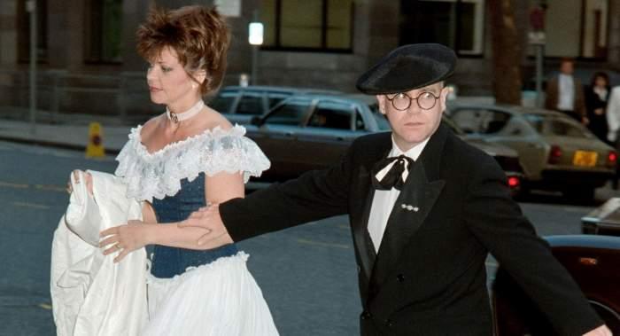 Elton John, dat în judecată de fosta soție