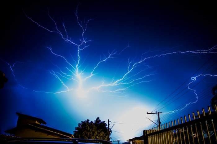 Accident teribil în Argeș! Un bărbat și fiul său au murit loviți de fulger!