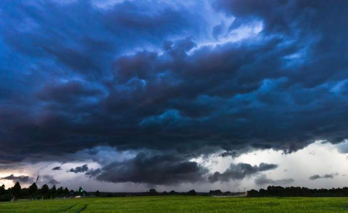 ANM a emis cod portocaliude furtuni pentrujumătate de țară! De când intră în vigoare