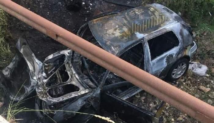 Un tânăr de 18 ani din Buzău se zbate între viață și moarte după ce mașina pe care a furat-o s-a făcut scrum! Adolescentul urcase beat la volan! / FOTO
