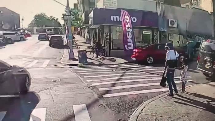 Crimă șocantă: Bărbat din Statele Unite, împușcat mortal în timp ce se plimba cu fetița sa