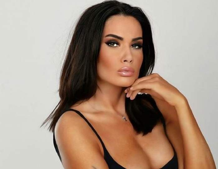 Cum arată sânii Oanei Zăvoranu după ce și-a scos silicoanele! Diva, apariție provocatoare la piscină! / FOTO