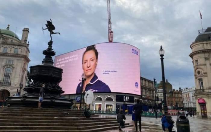 O româncă a ajuns simbol național în Marea Britanie, după eforturile depuse în timpul pandemiei de coronavirus / FOTO