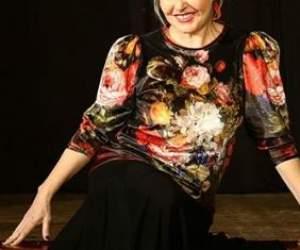 """O cunoscută actriță din România s-acăsătoritvirgină: """"Am făcut dragoste pe bloc"""""""