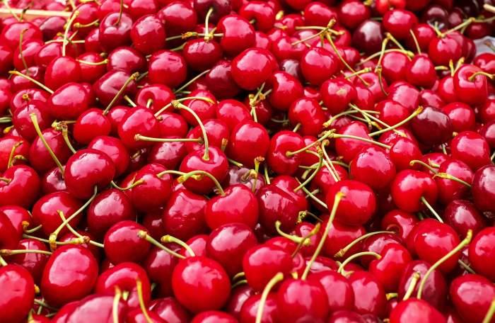 Care sunt beneficiile cireșelor, fructele-vedetă ale sezonului! De ce afecțiuni poți scăpa dacă le consumi