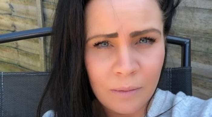 O femeie de 34 de ani a muritîn timp ce făcea curățenie! Tânăra a combinat două produse de igienizare