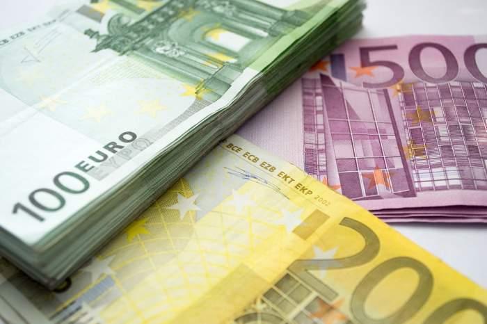 Curs valutar BNR, miercuri, 12 august.Cu cât a crescut 1 euro faţă de ieri