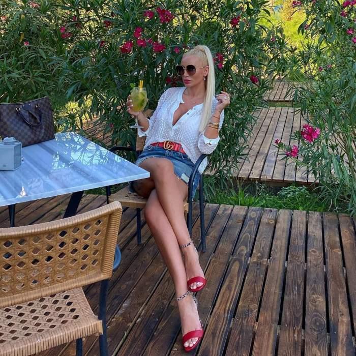 Simona Trașcă și admiratorul secret, deloc zgârcit. Ce cadou superb a primit frumoasa blondină / FOTO
