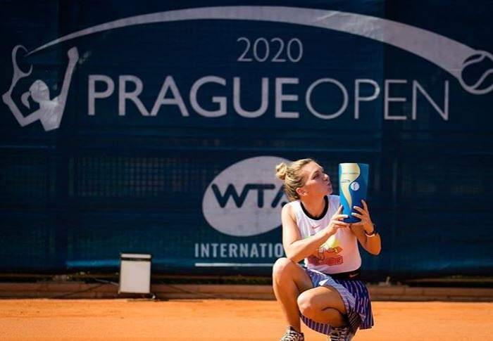 """Ce a făcut Simona Halep, imediat după ce a câștigat turneul de la Praga! Gestul sportivei i-a lăsat muți de uimire pe fani: """"Am promis"""" / FOTO"""