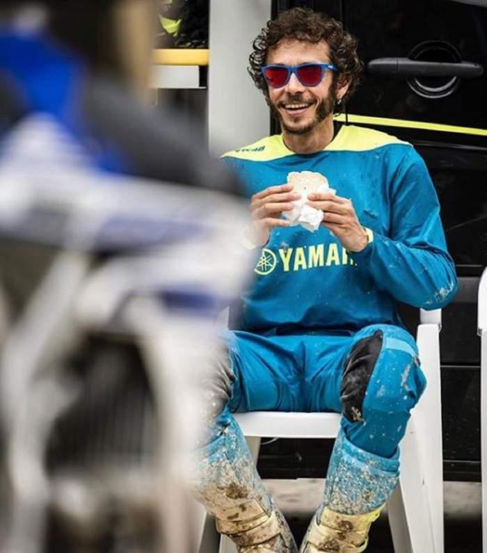 Cine este Valentino Rossi, sportivul care a văzut moartea cu ochii la cursa Moto GP din Austria! Imaginile au făcut înconjurul lumii