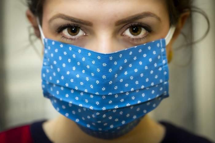 Noile simptome ale coronavirusului! Dacă ai așa ceva pe față, este posibil să fi infectat