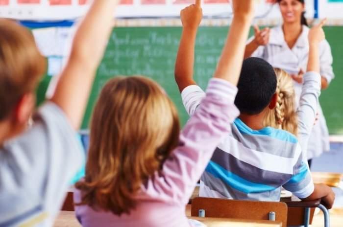 După ce norme sanitare vor fi nevoiți elevii să învețe în noul an școlar! Ce a decis ministerul Sănătății
