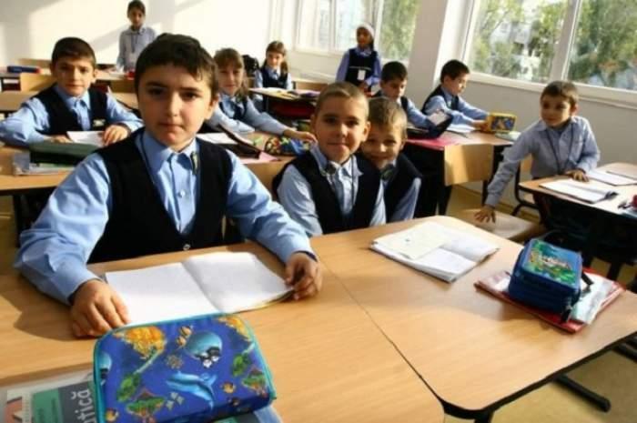 Pandemia a schimbat programul orelor de curs. Cât timp vor petrece elevii la școală din 14 septembrie