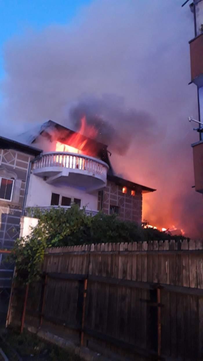 Incendiu devastator în Sectorul 1 al Capitalei! 22 de oameni au fost evacuați de urgență