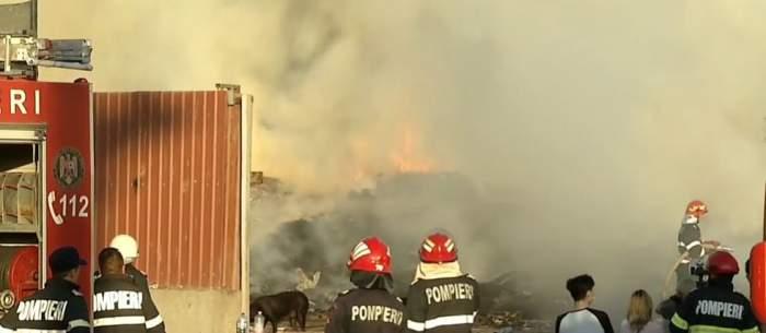 Incendiu izbucnit la groapa de gunoi din Chitila, lângă un rezervor de motorină de 5 tone! Pericol de explozie în Capitală