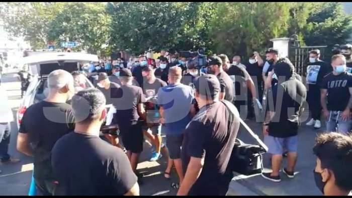 Amenzi de 5.500 de lei la înmormântarea lui Emi Pian! Oamenii nu au respectat măsurile impuse