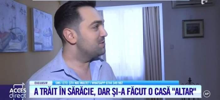 Leonard Petcu, îmbrăcat în cămașă albă, își prezintă casa