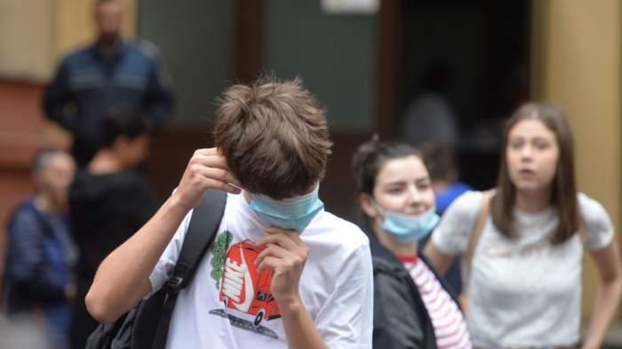 Protest organizat de elevii români, în fața ministerului Educației