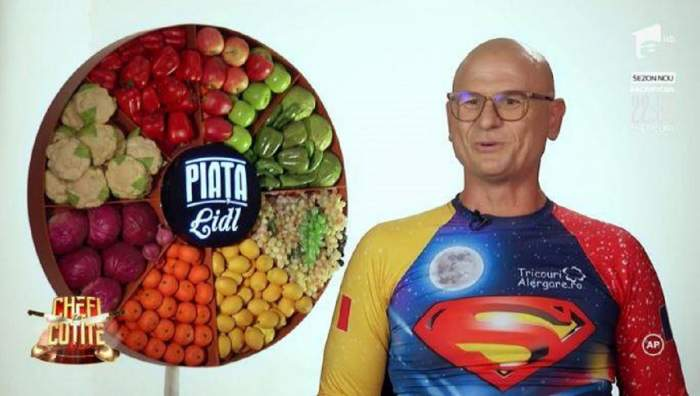Cristi Borcan este îmbrăcat ca Superman și a venit concurent la chefi la cutite