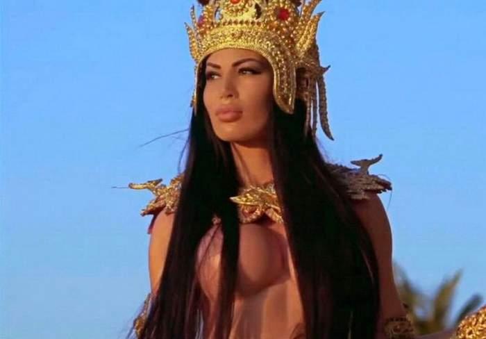 "Bianca Pop, în postura de ispită la ""Insula iubirii"""