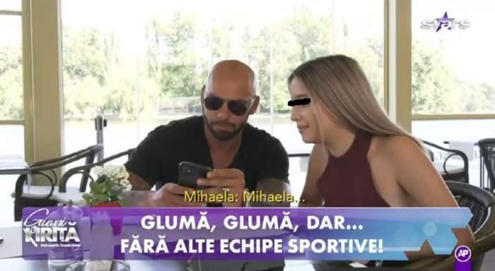 Giani Kiriță alături de o domnișoară, la masă. Acesta juca rolul de ospătar.