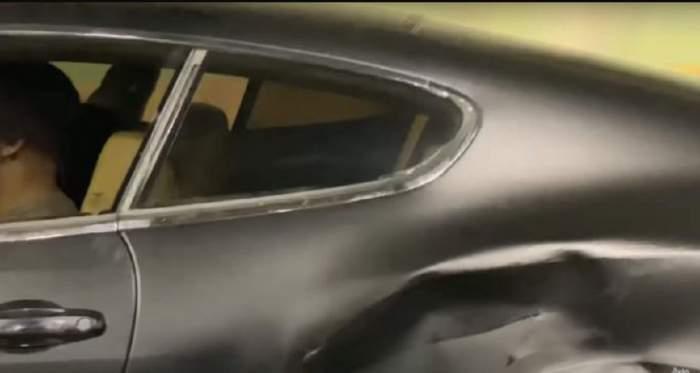 Aripa dreapta a masinii lui Jador a fost distrusa