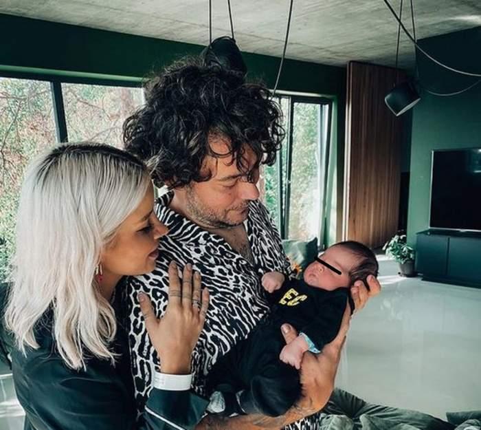 Alina Ceușan alături de soț și fiul lor. Vedeta își ține soțul în brațe, iar Raul îl ține pe Rock în palme