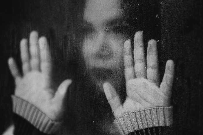 imagine ilustrativa fata abuzata