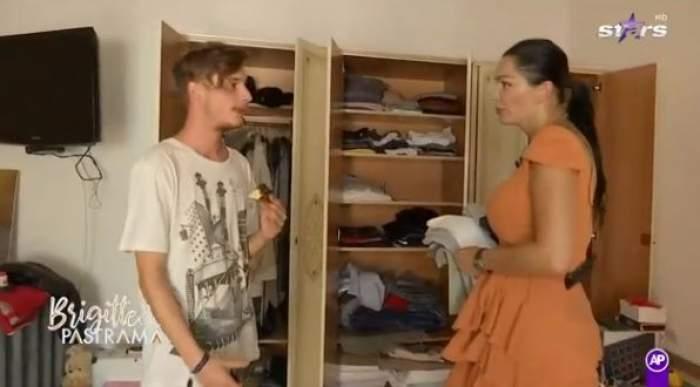 Brigitte și Robert fac curat în camera tânărului