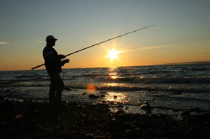 Pasiunea pentru pescuit în rândul vedetelor - 10 celebrități care pescuiesc.