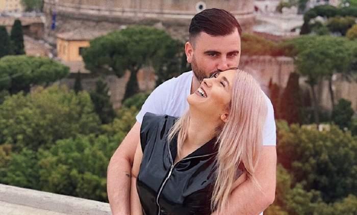 Fotografie cu Adda și Cătălin Rizea îmbrățișați, sărutându-se