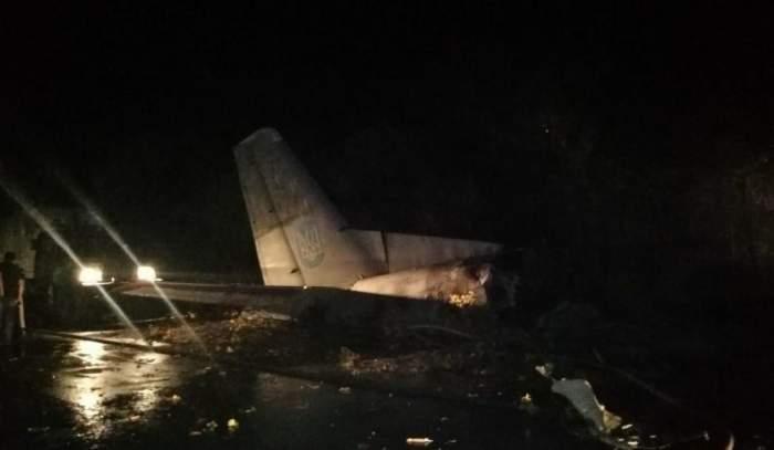 Un avion militar s-a prăbușit în Ucraina! Zeci de persoane au murit / VIDEO