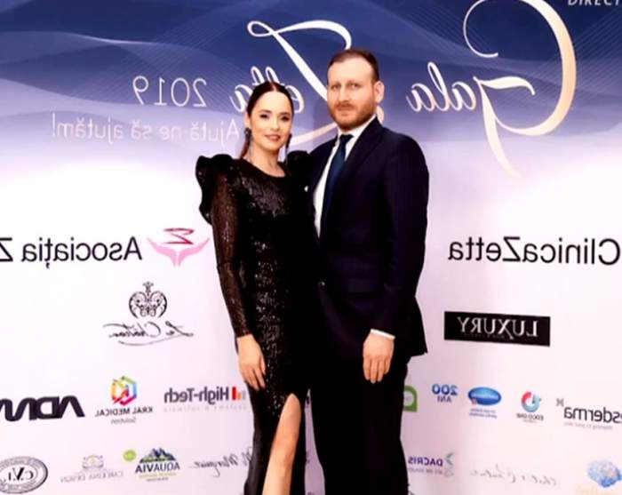 Fotografie cu Andreea Marin și iubitul, ambii îmbrăcați în negru