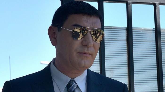 Cristi Borcea cu ochelari de soare face declarații