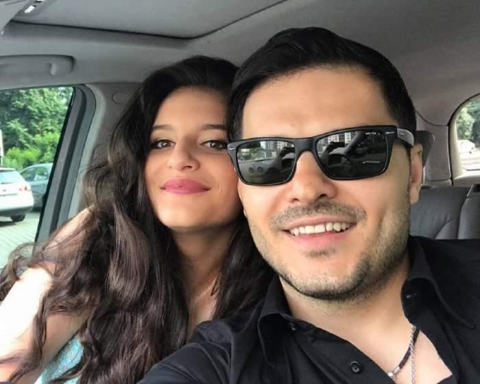 Liviu Vârciu este în mașină, alături de fiica sa cea mare, Carmina, care zâmbește larg lângă el