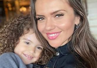 Cristina Șișcanu și fiica ei, împreună la Mămici de pitici, cu lipici sezonul 2! Fanii le pot urmări la Antena Stars / VIDEO