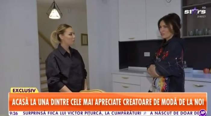 Maria Marinescu în vila sa de lux, îmbrăcată în negru