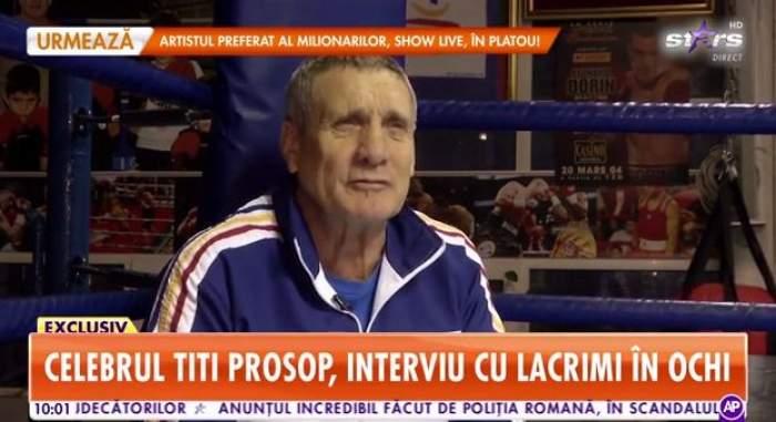 Titi Prosop, în trening alb cu albastru