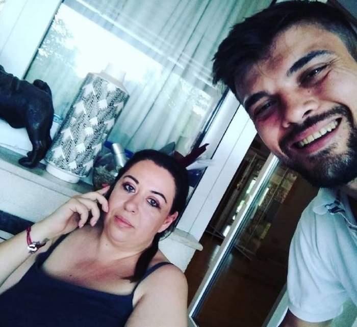 Oana Roman și Marius Elisei pe vremea când erau împreună. Ea portă un maiou negru, iar el un tricou alb.